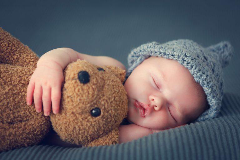 schlafen Baby Frau